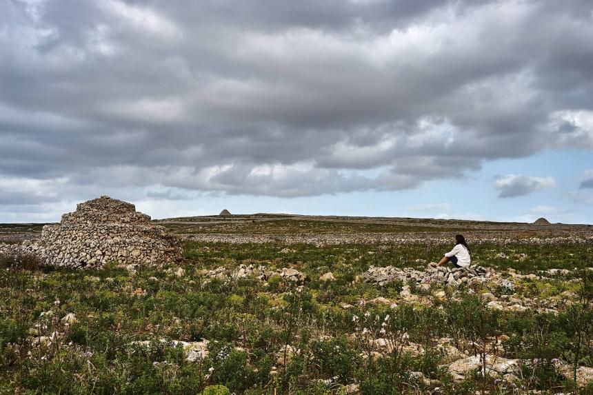 BARRACAS CONSTRUIDAS EN MAMPOSTERÍA SECA PARA REFUGIO DEL GANADO (Imagen de JUAN JOVER)